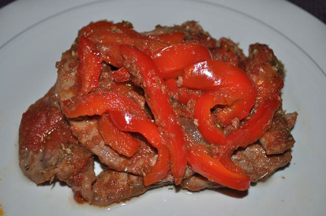 Vitello in salsa peperonata